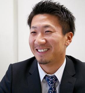 大阪の屋根・雨漏り修理ゼファンの専務取締役 伊豆本隼弥の写真