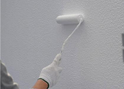 外壁塗装している画像