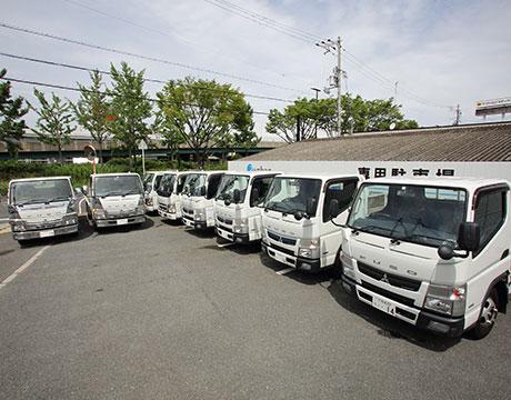 大阪の屋根・雨漏り修理ゼファンのトラック写真